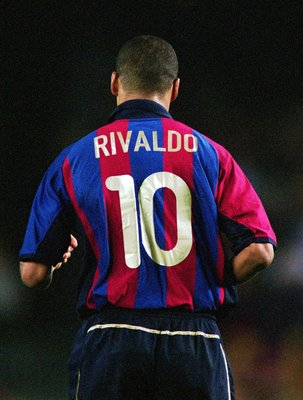 27 Oct 2001:  Rivaldo of Barcelona in action during the Spanish Primera Liga match against Real Betis played at Nou Camp, in Barcelona, Spain. Barcelona won the match 3-0. \ Picture taken by Nuno Correia \ Mandatory Credit: AllsportUK  /Allsport