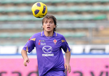 BARI, ITALY - FEBRUARY 27:  Adem Ljajic of Fiorentina in action during the Serie A match between AS Bari and ACF Fiorentina at Stadio San Nicola on February 27, 2011 in Bari, Italy.  (Photo by Giuseppe Bellini/Getty Images)