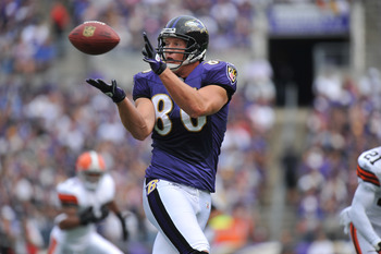 BALTIMORE - SEPTEMBER 26:  Todd Heap #86 of the Baltimore Ravens makes a catch against the Cleveland Browns at M&T Bank Stadium on September 26, 2010 in Baltimore, Maryland. The Ravens lead the Browns at the half 14-10. (Photo by Larry French/Getty Images