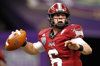 NEW ORLEANS, LA - DECEMBER 18:  Quarterback Corey Robinson #6 of the Troy University Trojans throws a pass during the game against the Ohio University Bobcats during the R&amp;L Carriers New Orleans Bowl at the Louisiana Superdome on December 18, 2010 in New