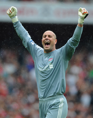 LONDON, ENGLAND - AUGUST 20:  Jose Reina of Liverpool celebrates victory after the Barclays Premier League match between Arsenal and Liverpool at the Emirates Stadium on August 20, 2011 in London, England.  (Photo by Michael Regan/Getty Images)