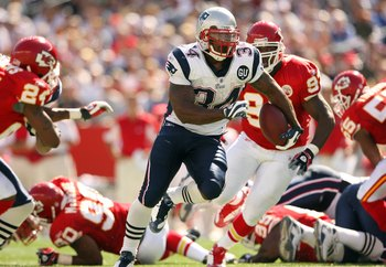 FOXBORO, MA - SEPTEMBER 7:  Sammy Morris #34 of the New England Patriots runs with the ball during their NFL game against the Kansas City Chiefs on September 7, 2008 at Gillette Stadium in Foxboro, Massachusetts. The Patriots defeated the Chiefs 17-10. (P