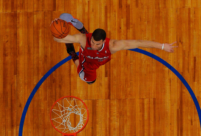 LOS ANGELES, CA - FEBRUARY 19:  Blake Griffin #32 of the Los Angeles Clippers dunks the ball in the Sprite Slam Dunk Contest apart of NBA All-Star Saturday Night at Staples Center on February 19, 2011 in Los Angeles, California. NOTE TO USER: User express