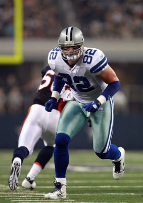ARLINGTON, TX - AUGUST 11:  Jason Witten #82 of the Dallas Cowboys at Cowboys Stadium on August 11, 2011 in Arlington, Texas.  (Photo by Ronald Martinez/Getty Images)