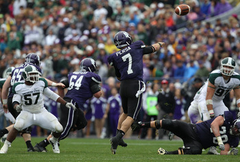 EVANSTON, IL - OCTOBER 23: Dan Persa #7 of the Northwestern Wildcats throws a pass against the Michigan State Spartans at Ryan Field on October 23, 2010 in Evanston, Illinois. Michigan State defeated Northwestern 35-27. (Photo by Jonathan Daniel/Getty Ima
