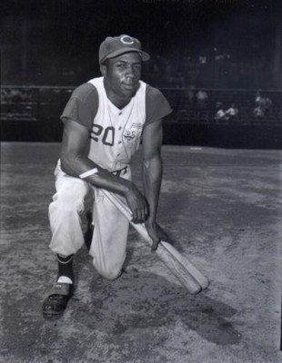 Frank_robinson_display_image