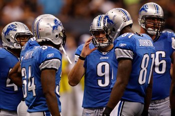 NEW ORLEANS - SEPTEMBER 13:  Quarterback Matthew Stafford #9 of the Detroit Lions throws the ball against the New Orleans Saints at the Louisiana Superdome on September 13, 2009 in New Orleans, Louisiana. The Saints defeated the Lions 45-27.  (Photo by Ch
