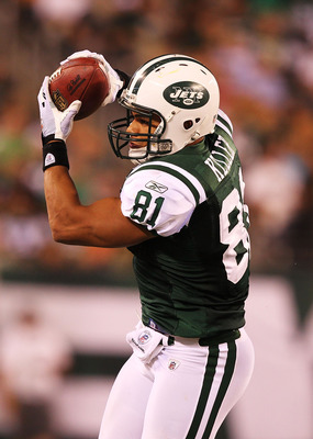 EAST RUTHERFORD, NJ - AUGUST 27:  Dustin Keller #81 of the New York Jets in action against the Washington Redskins  during their preseason game on August 27, 2010 at the New Meadowlands Stadium  in East Rutherford, New Jersey.  (Photo by Al Bello/Getty Im