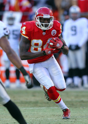 KANSAS CITY, MO - JANUARY 02:  Wide receiver Chris Chambers #84 of the Kansas City Chiefs runs down field in a game against the Oakland Raiders at Arrowhead Stadium on January 2, 2011 in Kansas City, Missouri.  (Photo by Tim Umphrey/Getty Images)