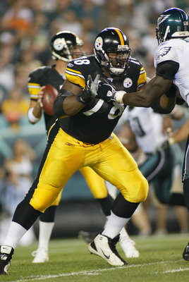 PHILADELPHIA - AUGUST 25:  Offensive tackle Max Starks #78 of the Pittsburgh Steelers blocks during a preseason game against the Philadelphia Eagles on August 25, 2006 at Lincoln Financial Field in Philadelphia, Pennsylvania. The Eagles defeated the Steel