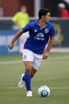 CHESTER, PA - JULY 20: Midfielder Mikel Arteta #10 of Everton FC controls the ball during a game against the Philadelphia Union at PPL Park on July 20, 2011 in Chester, Pennsylvania. The Union won 1-0. (Photo by Hunter Martin/Getty Images)