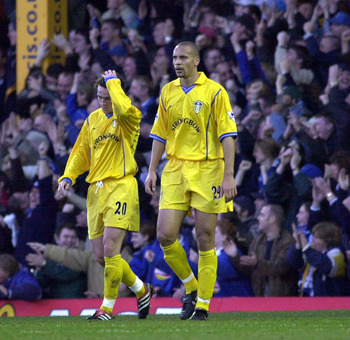 2 Dec 2000: Rio Ferdinand and team mate Matthew Jones of Leeds can''t believe it as Leicester score another goal during the FA Carling Premiership match between Leicester City and Leeds United at Filbert St, Leicester,  England.  Digital Image. MandatoryC