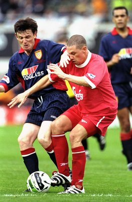 31 Jul 1998:  Sean Dundee of Liverpool battles for the ball during the pre-season Carlsberg tournament game against St Patricks at Lansdowne Road in Dublin, Ireland. Liverpool won 3-2. \ Mandatory Credit: Ross Kinnaird /Allsport