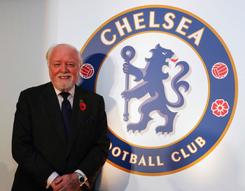 LONDON - NOVEMBER 12:  Lifelong Chelsea supporter Lord Attenborough poses at the unveiling of the new Chelsea badge during a Chelsea Football Club press conference on November 12, 2004  at Stamford Bridge, London. (Photo by Mike Hewitt/Getty Images)