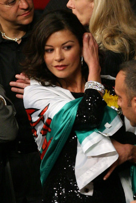 LAS VEGAS - APRIL 19:  Actress Catherine Zeta-Jones attends the Joe Calzaghe of Wales and Bernard Hopkins light heavyweight bout at Thomas & Mack Center on April 19, 2008 in Las Vegas, Nevada.  (Photo by Ethan Miller/Getty Images)
