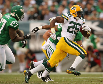 PHILADELPHIA - SEPTEMBER 12:  Ryan Grant #25 of the Green Bay Packers rushes after a catch during a game against the Philadelphia Eagles at Lincoln Financial Field on September 12, 2010 in Philadelphia, Pennsylvania.  (Photo by Mike Ehrmann/Getty Images)