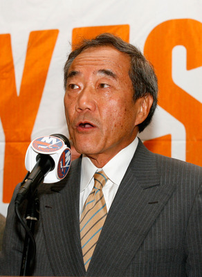 UNIONDALE, NY - AUGUST 01: Owner Charles Wang the New York Islanders addresses the media to announce that the new arena voter referendum failed on August 1, 2011 in Uniondale, New York. Wang has said that without a new arena, he may have no choice but to