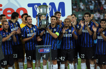 BARI, ITALY - AUGUST 18:  The Team of Inter with Tim Cup  during the TIM preseason tournament at Stadio San Nicola on August 18, 2011 in Bari, Italy.  (Photo by Giuseppe Bellini/Getty Images)