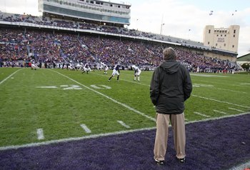 EVANSTON, IL - OCTOBER 31: Head coach Joe Paterno of the Penn State Nittany Lions watches the action as his team takes on the Northwestern Wildcats at Ryan Field on October 31, 2009 in Evanston, Illinois. Penn State defeated Northwestern 34-13.  (Photo by