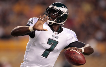 PITTSBURGH - AUGUST 18:  Michael Vick #7 of the Philadelphia Eagles throws a pass against the Pittsburgh Steelers during the preseason game on August 18, 2011 at Heinz Field in Pittsburgh, Pennsylvania.  (Photo by Jared Wickerham/Getty Images)