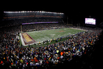 MINNEAPOLIS, MN - DECEMBER 20:  The Chicago Bears kick off to the Minnesota Vikings at TCF Bank Stadium on December 20, 2010 in Minneapolis, Minnesota.  (Photo by Matthew Stockman/Getty Images)