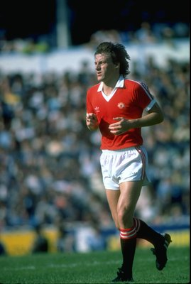 Sep 1980:  Steve Coppell of Manchester United in action during a match. \ Mandatory Credit: Allsport UK /Allsport