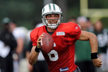 FLORHAM PARK, NJ - AUGUST 07:  Mark Sanchez #6 of the New York Jets works out at NY Jets Practice Facility on August 7, 2011 in Florham Park, New Jersey.  (Photo by Patrick McDermott/Getty Images)