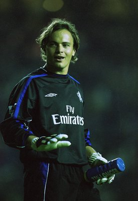 21 Oct 2001:  Mark Bosnich of Chelsea in action during the FA Barclaycard Premiership match against Leeds United played at Elland Road, in Leeds, England. The match ended in a 0-0 draw. \ Mandatory Credit: Michael Steele /Allsport