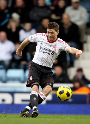 LONDON, ENGLAND - FEBRUARY 27:  Steven Gerrard of Liverpool in action during the Barclays Premier League match between West Ham United and Liverpool at the Boleyn Ground on February 27, 2011 in London, England.  (Photo by Scott Heavey/Getty Images)