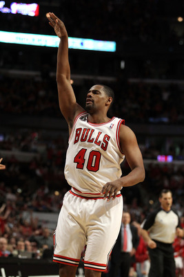 CHICAGO, IL - MAY 26:  Kurt Thomas #40 of the Chicago Bulls gestures after he attempted a shot against the Miami Heat in Game Five of the Eastern Conference Finals during the 2011 NBA Playoffs on May 26, 2011 at the United Center in Chicago, Illinois. The