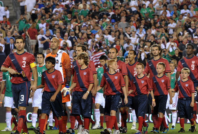 PHILADELPHIA, PA - AUGUST 10:  The starting team for the United States and Mexico walk onto the field before the game at Lincoln Financial Field on August 10, 2011 in Philadelphia, Pennsylvania. (Photo by Drew Hallowell/Getty Images)