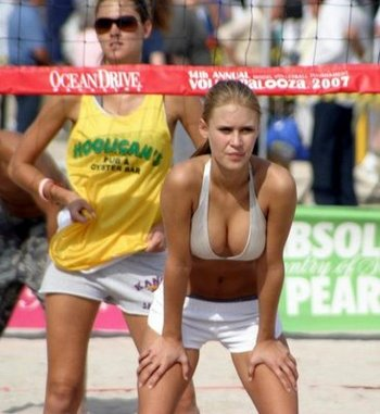 Beach_volley_girls_01_display_image
