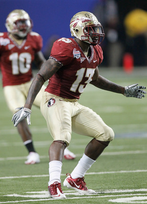 ATLANTA, GA - DECEMBER 31:  Nigel Bradham #13 of the Florida State Seminoles against the South Carolina Gamecocks during the 2010 Chick-fil-A Bowl at Georgia Dome on December 31, 2010 in Atlanta, Georgia.  (Photo by Kevin C. Cox/Getty Images)