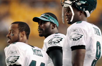 PITTSBURGH - AUGUST 18:  Michael Vick #7 of the Philadelphia Eagles looks up at the scoreboard in the second half during the preseason game against the Pittsburgh Steelers on August 18, 2011 at Heinz Field in Pittsburgh, Pennsylvania.  (Photo by Jared Wic