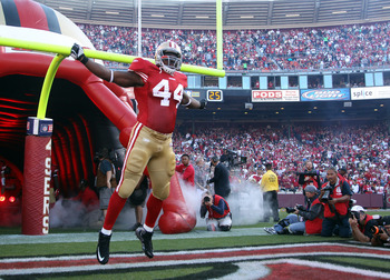SAN FRANCISCO - SEPTEMBER 20:  Moran Norris #44 of the San Francisco 49ers runs on to the field for their game against the New Orleans Saints at Candlestick Park on September 20, 2010 in San Francisco, California.  (Photo by Ezra Shaw/Getty Images)