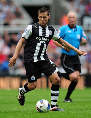 NEWCASTLE UPON TYNE, ENGLAND - AUGUST 13:  Yohan Cabaye of Newcastle United in action during the Barclays Premier League match between Newcastle United and Arsenal at St James' Park on August 13, 2011 in Newcastle upon Tyne, England.  (Photo by Shaun Bott