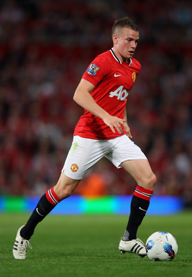MANCHESTER, ENGLAND - AUGUST 22:  Tom Cleverley of Manchester United with the ball during the Barclays Premier League match between Manchester United and Tottenham Hotspur at Old Trafford on August 22, 2011 in Manchester, England.  (Photo by Alex Livesey/