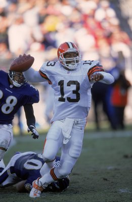 26 Nov 2000:  Spergon Wynn #13 of the Cleveland Browns gets ready to pass the ball during the game against the Baltimore Ravnes at the PSINet Stadium in Baltimore, Maryland. The Ravens defeated the Browns 37-7.Mandatory Credit: Doug Pensinger  /Allsport