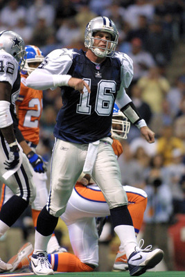 22 Nov 2001:  Quarterback Ryan Leaf #16 of the Dallas Cowboys reacts to a missed opportunity against the Denver Broncos during the second half at Texas Stadium in Irving, Texas.  The Broncos defeated the Cowboys 26-24.  DIGITAL IMAGE  Mandatory Credit: Ro