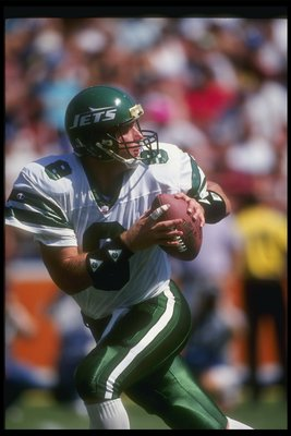 27 Sep 1992:  Quarterback Browning Nagle of the New York Jets looks to pass the ball during a game against the Los Angeles Rams at Anaheim Stadium in Anaheim, California.  The Rams won the game, 18-10. Mandatory Credit: Mike Powell  /Allsport