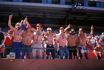 SAN FRANCISCO - NOVEMBER 9:  Fans support quarterback Joe Montana #16 of the San Francisco 49ers during the game against St. Louis Cardinals on November 9, 1986 at Candlestick Park in San Francisco, California. The 49ers won 43-17. (Photo by George Rose/G