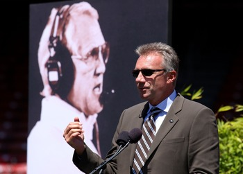 SAN FRANCISCO - AUGUST 10:  Former San Francisco 49ers quarterback Joe Montana speaks during a public memorial service for former 49ers coach Bill Walsh August 10, 2007 at Monster Park in San Francisco, California. NFL Hall of Famer Bill Walsh, who was kn