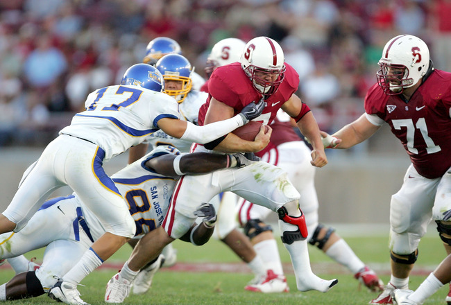 PALO ALTO, CA - SEPTEMBER 19:  Toby Gerhart #7 of the Stanford Cardinal runs with the ball during their game against the San Jose State Spartans at Stanford Stadium on September 19, 2009 in Palo Alto, California.  (Photo by Ezra Shaw/Getty Images)