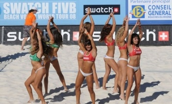 Hot-beach-volleyball-1_display_image