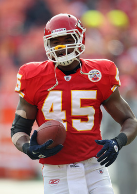 KANSAS CITY, MO - DECEMBER 05:  Leonard Pope #45 of the Kansas City Chiefs in action during the game against the Denver Broncos on December 5, 2010 at Arrowhead Stadium in Kansas City, Missouri.  (Photo by Jamie Squire/Getty Images)