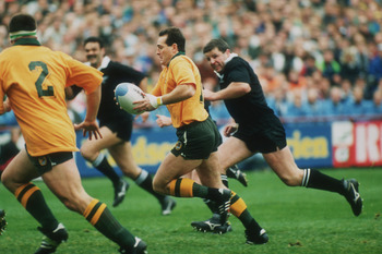 David Campese on attack during the 1991 semifinal between the Wallabies and the All Blacks.