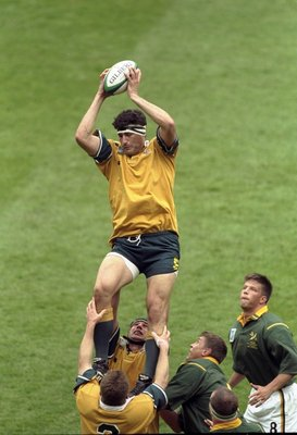John Eales in the lineout in the 1999 semifinal against the Springboks.