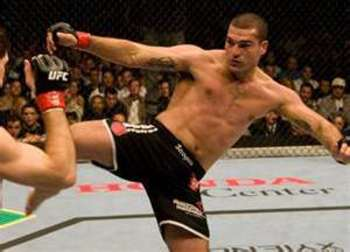Mauricio Rua throwing a leg kick