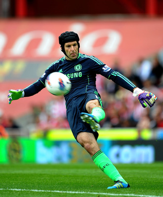 STOKE ON TRENT, ENGLAND - AUGUST 14: Petr Cech of Chelsea in action during the Barclays Premier League match between Stoke City and Chelsea at the Britannia Stadium on August 14, 2011 in Stoke on Trent, England.  (Photo by Laurence Griffiths/Getty Images)