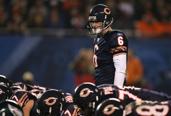CHICAGO - NOVEMBER 22: Quarterback Jay Cutler #6 of the Chicago Bears steps up to the line of scrimmage against the Philadelphia Eagles at Soldier Field on November 22, 2009 in Chicago, Illinois.  (Photo by Jonathan Daniel/Getty Images)
